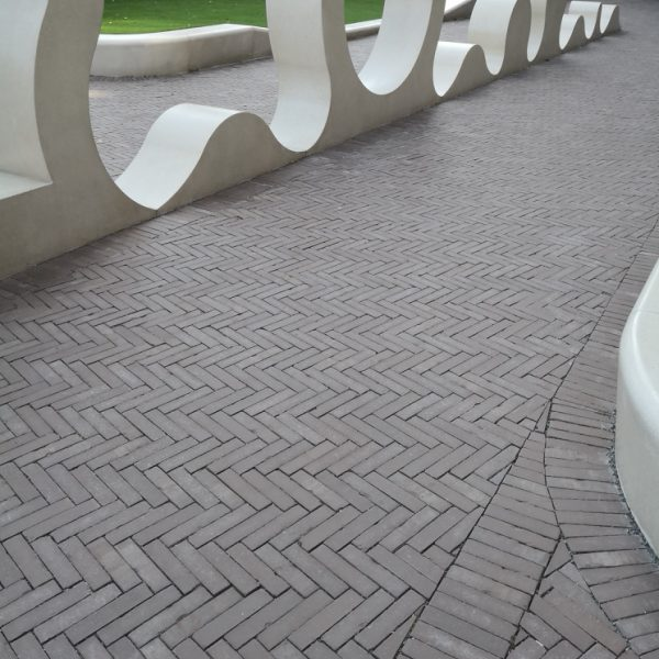 dione tumbled paving